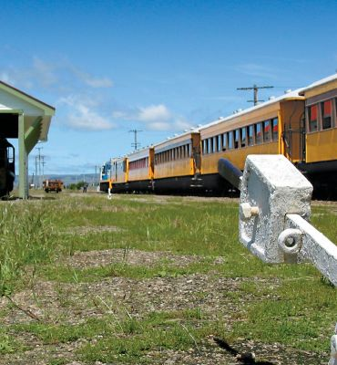 Taieri Gorge Railway - Dunedin to Middlemarch Train Journey
